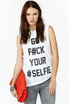 The Laundry Room #Selfie Muscle Tee