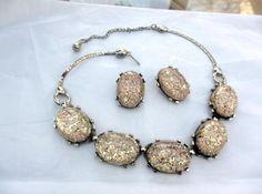 Confetti Lucite Necklace w Earrings 1950s Vintage di OurBoudoir, $38,00
