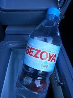Según la clienta que llevo a #hemodiálisis, #bezoya es el agua más recomendada por su bajo contenido en #potasio y otros #minerales. Por esa razón,  #Taxi #Nigrán #María la acompaña con una botella de esta #agua. www.serviciotaxinigran.blogspot.com.es, #653736754 Agua Mineral, Water Bottle, Drinks, Minerals, Bass, Bottles, Drinking, Beverages, Water Bottles