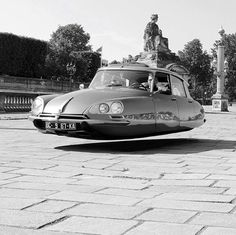 Citroen DS with the rare hover option (I wish) Citroen Ds, Hover Car, Automobile, E Mobility, Auto Retro, Flying Car, Weird Cars, Retro Futurism, Amazing Cars