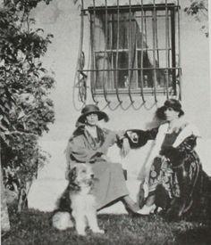 Victoria Melita and Marie Princess Alexandra, Princess Beatrice, Princess Victoria, Queen Victoria, House Of Romanov, Elizabeth I, Royal House, History Photos, Royal Weddings