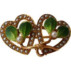 Art Nouveau KREMENTZ Gold & Enamel Mistletoe Pin w/ Seed Pearls from gildedsparrowjewels on Ruby Lane Enamel Jewelry, Antique Jewelry, Vintage Jewelry, Gold Jewellery, Bijoux Art Nouveau, Art Nouveau Jewelry, Heart Jewelry, Jewelry Art, Jewelry Design