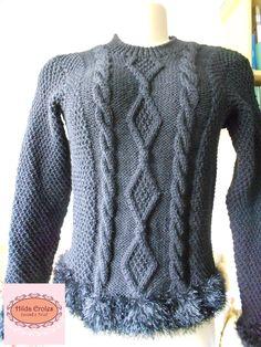 Blusa preta de cabos com barra de pelos