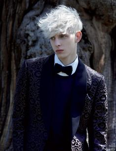 Penfound & Robbie Wadge by Michael Hemy in Tom Ford for Exit Spring/Summer 2010 Wolfie and his white hair. (Model Thomas Penfound, photographed by Michael Hemy-permission granted by photographer) Beautiful Boys, Pretty Boys, Cute Boys, Beautiful People, Beautiful Pictures, Modelo Albino, Tom Ford, Character Inspiration, Character Design