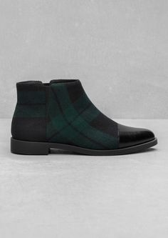 & OTHER STORIES Checkered ankle boots featuring small elastic panels and a smooth, leather-covered toe.