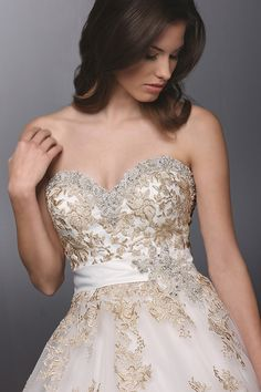 DaVinci Bridal ball gown #weddingdress #Bride2014 #weddingchicks http://www.weddingchicks.com/2014/03/18/davinci-bridal-gowns-2014/