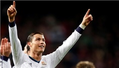 Ronaldo Scores Hat Trick Before Champions League Bout With Manchester United; Messi Scores Goal in 6-1 Win