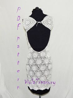 The pattern is for a general S/M size: - with an 80cm /32 inch waist in length and a M/L size: with a 96 cm /47 inch waist in length. But because the pattern is one that stretches in every direction, this dress will fit easily those in the following range 70-90 cm / 28-36 inch waist for