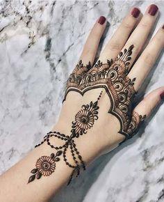 elegant women hands mehndi new collection 2018