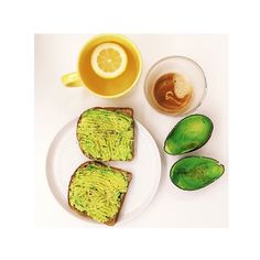 Avo & Toast Definitely Healthy & A Must-try! EatClean