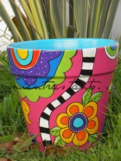 Painted flowerpot 35 cm in diameter. Flower Pot Art, Flower Pot Crafts, Clay Pot Crafts, Shell Crafts, Painted Plant Pots, Painted Flower Pots, Decorated Flower Pots, Mosaic Pots, Pot Jardin