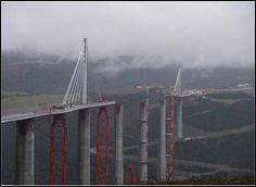 Как строили самый высокий мост мира Виадук Мийо  http://nnm.me/blogs/dubaimlm/kak_stroili_samyiy_vysokiiy_most_mira_viaduk_miiyo/