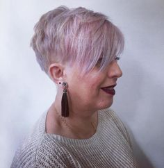 Why Older Women Wear Short Hairstyles and Why You Don't Need To Short Grey Hair, Medium Long Hair, Short Hair Cuts, Short Hair Styles, Short Hairstyles Over 50, Classic Hairstyles, Cool Hairstyles, Elegant Hairstyles, Hairdos For Older Women