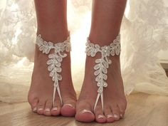 FREE SHIP ivory Barefoot , french lace sandals, wedding anklet, pearl rhinestone button Beach wedding barefoot sandals, hand-embroidered