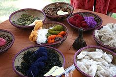 How to Make Natural Dyes to Dye Fabric & Clothes – 3 Easy Steps to Dyeing Naturally at Home, by Heather Levin. Pinned from Money Crashers. How To Dye Fabric, Fabric Art, Fabric Crafts, Dyeing Fabric, Diy Crafts, Shibori, Natural Dye Fabric, Natural Dyeing, Textile Manipulation