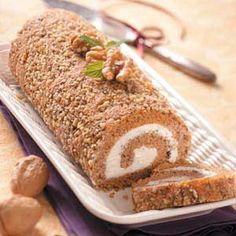 Butternut Squash Cake Roll Recipe -Elizabeth Nelson of Manning, North Dakota is sweet on squash! Her pretty dessert is perfect for an autumn special occasion. Cake Roll Recipes, Dessert Recipes, Dessert Ideas, Fall Recipes, Sweet Recipes, Holiday Recipes, Squash Cakes, Fall Baking, Cannoli