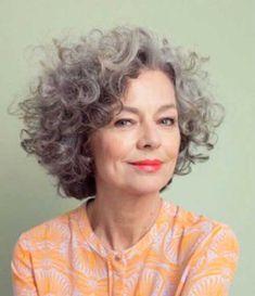 20 Erstaunliche Kurze Lockige Frisuren für Alle Intelligenten Frauen //  #Alle #Erstaunliche #Frauen #Frisuren #für #Intelligenten #kurze #Lockige