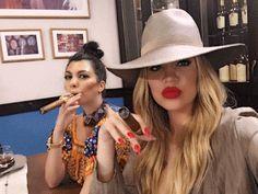 Nuestro mundo interesante Con los ojos de un inmigrante: Las hermanas Kardashian invaden Cuba