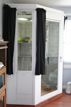 Green Iguana Enclosure ****LOVE the idea of adding curtains on rods so they could be closed when house is busy Reptile House, Reptile Room, Reptile Cage, Reptile Enclosure, Iguana Reptile, Terrariums, Reptile Terrarium, Les Reptiles, Reptiles And Amphibians