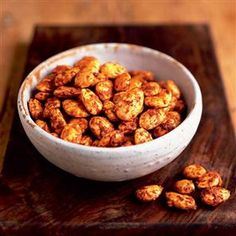 Roasted almonds with Grana Padano and paprika recipe