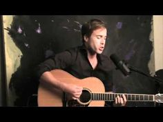 Rich Girl by Hall & Oates :: An acoustic performance by Luke McMaster