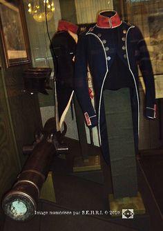Habit d'officier d'infanterie légère - Musée de Moscou Napoleonic Wars, Military History, Empire, French, The Originals, Moscow, Historia, Guns, French People