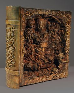 Professional artist Joel Harlow brings us this stunning interpretation of the Necronomicon . It's a nice change of pace from the typical hu. Steampunk, Altered Books, Call Of Cthulhu, Book Sculpture, Magic Book, Handmade Books, Book Of Shadows, Bookbinding, Old Books