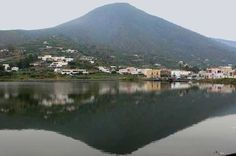 #Salina - isole Eolie. Ph. Ettore Lo Bianco #summerinsicily #yummysicily