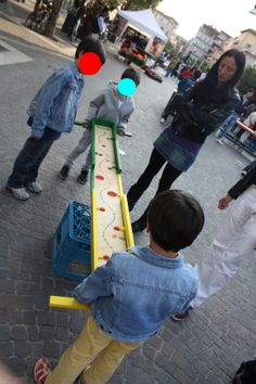 www.ludobus.org / www.legnogiocando.it Prom Games, Fun Party Games, Diy Games, Family Games, Games For Kids, Diy For Kids, Cool Kids, Backyard Games, Outdoor Games