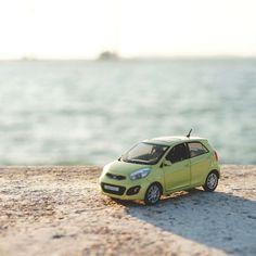 #기아자동차 #모닝 #다이캐스트 와 함께 하는 #해안 #드라이브 #데이트 !  #Drive along the #seashore with #KIA_motors #Morning ( #Picanto ) #diecast !  #motor #car #green #coast #sea #toy #daily #couple #winter #date #기아차 #여행 #힐링 #커플데이트 #여행 #탄도항 #일상 #소소잼