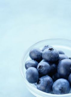 Blueberries, including those easy to purchase dried blueberries, are packed with superfood properties to keep your system strong, healthy, and free radical free. Healthy Foods To Eat, Healthy Cooking, Healthy Eating, Healthy Recipes, Healthy Life, Easy Recipes, Blueberry Benefits, Diabetes, Gross Food