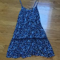 Blue sundress! I have worn it a few times, but it is in pristine condition. The size is a medium, and it falls a few inches above the knee. (I am around 5'3, to put it into perspective.) Mossimo Supply Co Dresses Midi