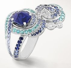 Van Cleef & Arpels Lucky legends Souffle des Nuages ring, white gold, diamonds, Paraiba-like tourmalines, sapphires and one cushion-cut sapphire of 3.67 carats