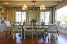 Design Chic: Coral Dreaming Beautiful Chinoiserie chairs and beautiful green decorating! ~D.N.