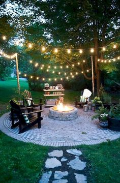 Adorable 80 DIY Fire Pit Ideas and Backyard Seating Area https://roomodeling.com/80-diy-fire-pit-ideas-backyard-seating-area