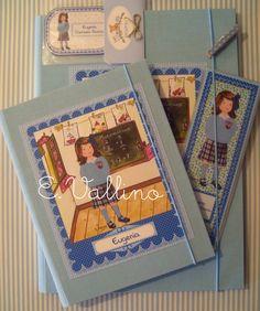 Agenda, cuaderno, marca páginas y pegatinas libros