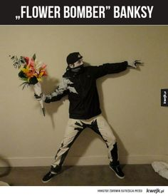 The Best Halloween Costume Ever! Banksy's Flower Thrower Comes To Life. Banksy Graffiti, Bansky, Banksy Artist, Banksy Artwork, Costume Halloween, Halloween Party, Mens Halloween Makeup, Original Halloween Costumes, Halloween College