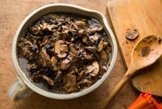 Mushroom Ragoût: View this and hundreds of other vegetarian recipes in the New York Times Eat Well Recipe Finder. Mushroom Ragout Recipe, Mushroom Recipes, Mushroom Tart, Mushroom Gravy, Pan Cooked Chicken, How To Cook Chicken, Roast Chicken, Roast Beef, Vegetarian Recipes