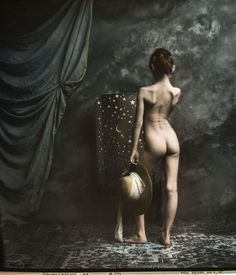 Jan Saudek is an extraordinary Czech photographer. Born in Prague in 1935, Saudek cultivated his dream of becoming a photographer. Self-taught, viscerally independent and hostage of the communist regime, he worked as a photographer for years in the cellar of his house, vigorously achieving moral norms and social rules to follow his passion.