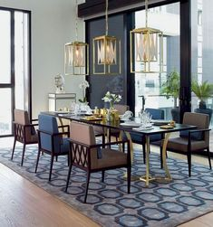Amazing Dining Room Design That Will Inspire You. We have put together all of our favourite dining room design ideas so you can be inspired to get the perfect look. Luxury Dining Tables, Luxury Dining Room, Beautiful Dining Rooms, Dining Table Design, Dining Room Lighting, Dining Sets, Dinning Table, Decor Interior Design, Room Interior