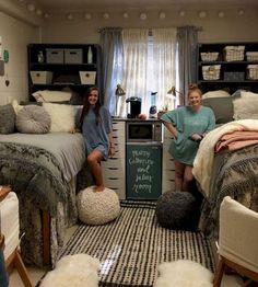 Awesome 85 Beautiful Cute DIY Dorm Room Decoration Ideas https://livinking.com/2017/08/11/85-beautiful-cute-diy-dorm-room-decoration-ideas/
