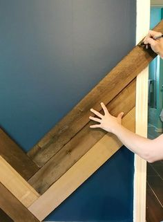 How to Install a Barn Wood Accent Wall in Herringbone Pattern - Wall Accents - Ideas of Wall Accents Accent Walls In Living Room, Accent Wall Bedroom, Accent Wall In Bathroom, Wood Accent Walls, Pallet Accent Wall, Ship Lap Accent Wall, Herringbone Wall, Herringbone Pattern, Pallet Walls