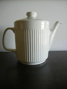vintage johnson brothers TEAPORS | Vintage Johnson Bros England Athena Pattern Covered Teapot White ...