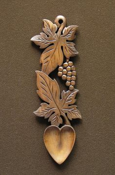 lovespoon 48 - : Welsh love spoons The Lovespoon Gallery Wooden Spoon Carving, Carved Spoons, Wood Carving Art, Wood Spoon, Wood Art, Intarsia Holz, Teacher Gift Baskets, Basket Gift, Welsh Love Spoons