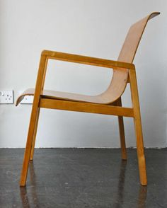 Alvar Aalto; Beech and Bent Plywood 'Hallway' Chair by Finmar for The Paimio Sanatorium, 1932.