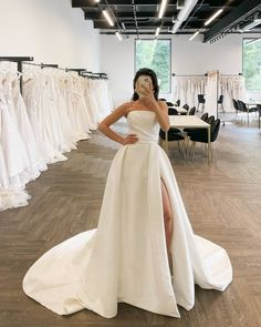 Stand out wearing this elegant and modern stretch Mikado wedding gown.#JustinAlexanderSignature #style_Beacon @signaturebyja Classic Wedding Dress, Dream Wedding Dresses, Designer Wedding Dresses, Wedding Gowns, Wedding Dress Necklines, Communion Dresses, Allure Bridal, Plus Size Wedding, Pageant Dresses