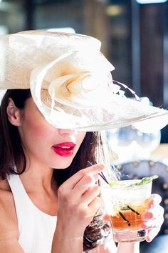 Flight Rules Are Ruining The Hat Fun At Kentucky Derby - Carbonated.TV