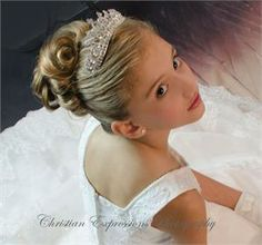 This Elegant first communion crown tiara features crystals on silver metal with loop on each end. First communion tiara attaches to hair with hairpins (sold separately) First Communion Veils, Girls Communion Dresses, Première Communion, First Communion Party, First Holy Communion, Tiara Hairstyles, Wedding Hairstyles, Communion Hairstyles, Girls Updo