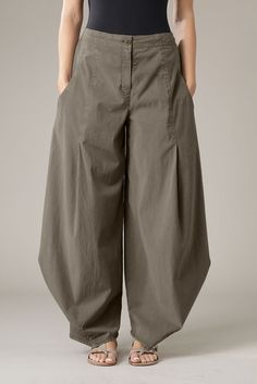 Trousers Santina ~ Love the fitted waist and Japanese-inspired look to these. Fantastic!