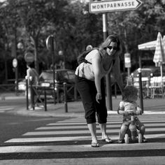 Jean-Philippe Jouve | Black and White | Street Photography | Paris | Discrepancy
